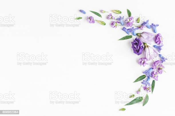 Frame made of various colorful flowers on white background picture id656952064?b=1&k=6&m=656952064&s=612x612&h=hwnpe40s 0tzirapttfp61yvnmwihhfidutvmipum0y=