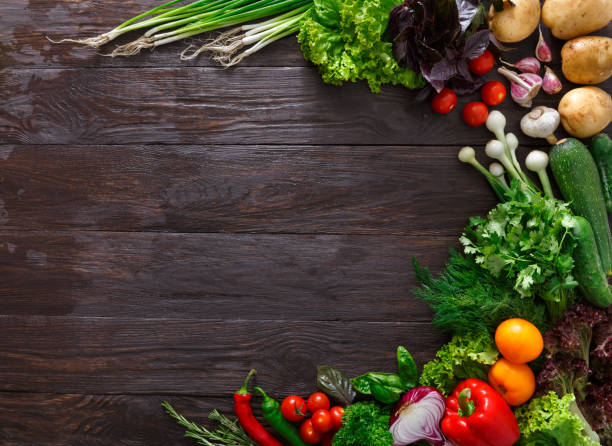Frame of fresh vegetables on wooden background with copy space picture id811243288?b=1&k=6&m=811243288&s=612x612&w=0&h=sjtfgvwrbthwviaej gpdi4423i3lephi8fg2qvrutg=