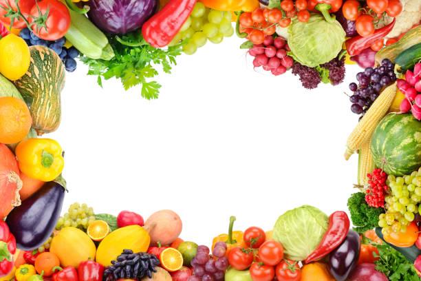 Rahmen von festem Gemüse und Obst auf weißem Hintergrund. – Foto
