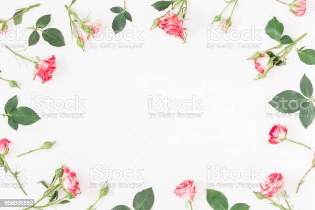 Frame with rose flowers flat lay top view picture id638936882?b=1&k=6&m=638936882&s=612x612&h=a4qo4weg30arfe70r7tvzlunbei4oru4svk st6o2mu=