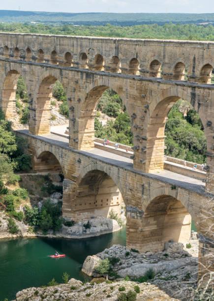 frankrijk, gard. de pont du gard-aquaduct. - pont du gard stockfoto's en -beelden