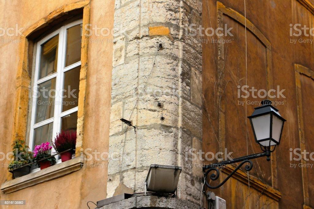 france, lyon - immeubles dans le vieux lyon stock photo