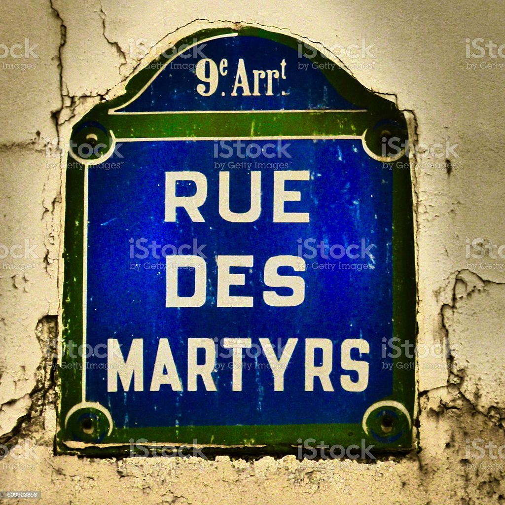 France - Paris, Montmartre, plaque de rue, signalisation stock photo