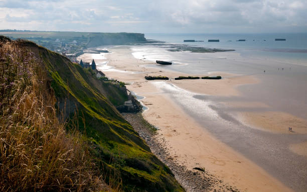 France remains of artificial Mulberry Harbour at Arromanches, France normandy stock pictures, royalty-free photos & images