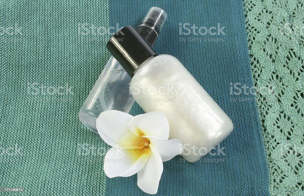 frangipanis and spa products - Royalty-free Alternative Medicine Stock Photo