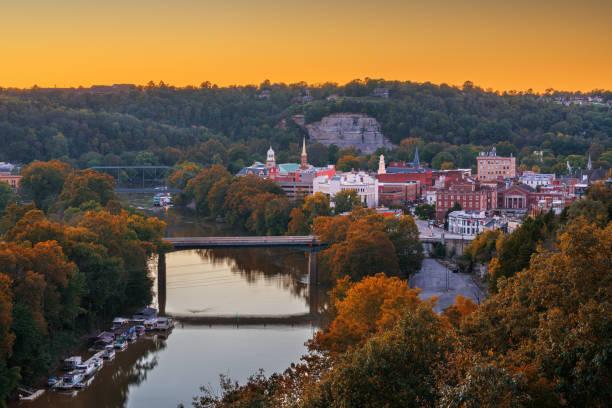 Frankfort, Kentucky, USA town skyline on the Kentucky River stock photo