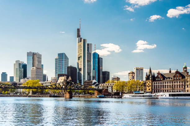 frankfurt am main, iron steg and skyline, germany - wasser stock pictures, royalty-free photos & images