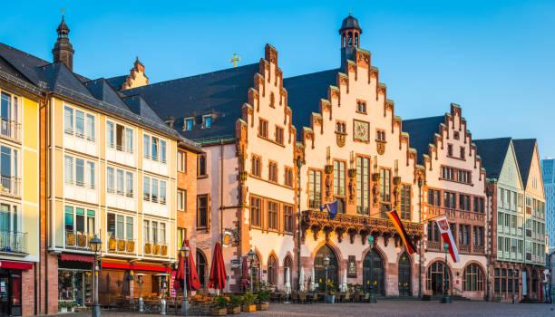 Frankfurt Romer Rathaus Sonnenaufgang mit Blick auf den Romerberg Plaza Panorama Deutschland – Foto