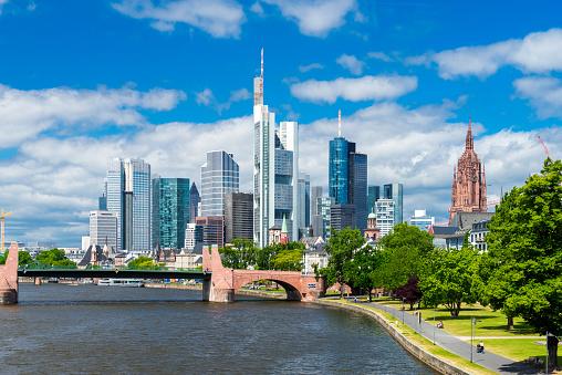 Skyline Von Frankfurt Stockfoto und mehr Bilder von Architektur