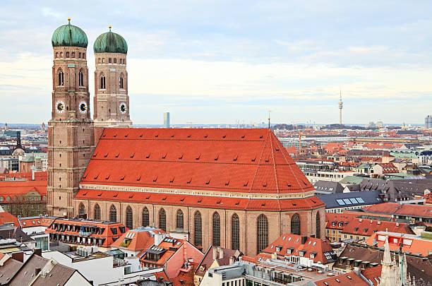 frauenkirche, münchen - münchner frauenkirche stock-fotos und bilder