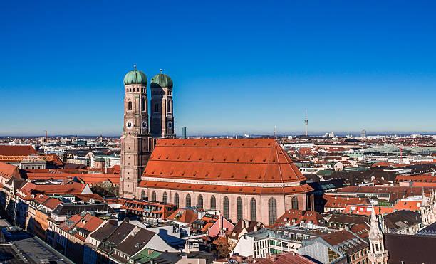 frauenkirche - münchner frauenkirche stock-fotos und bilder