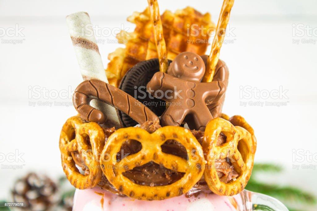 Freakshake Von Rosa Smoothie Creme Monstershake Mit Einem Schokolade ...