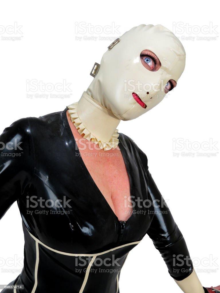 Freaky Latex mit Kapuze Cosplay Frau. Gruselige großen blauen Augen. – Foto
