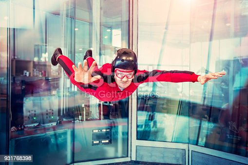 istock Free flight in the wind tunnel. 931768398
