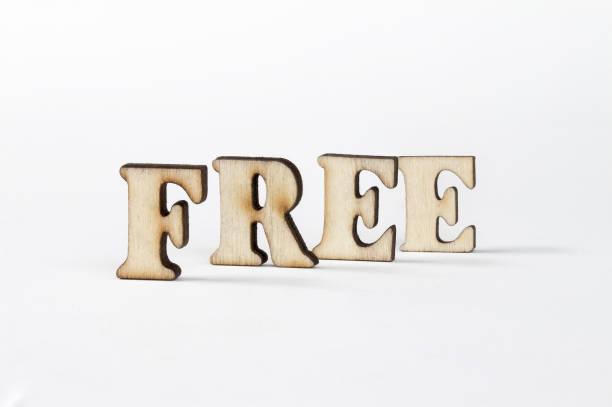 kostenlose, holz buchstaben frei - 3d typografie stock-fotos und bilder