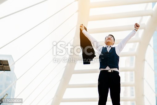 istock Freedom of work of Asian businessmen Effective management and finance Making them happy, enjoying the work And have finance that can be used after retirement Cause no disease. Burnout Syndrome. 1170209304