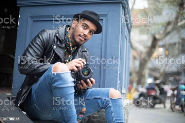 Freelance photographer picture id942785148?b=1&k=6&m=942785148&s=612x612&h=mim0hxdcltjofscs7gvjugml4pm nglogcaslbz2m4c=