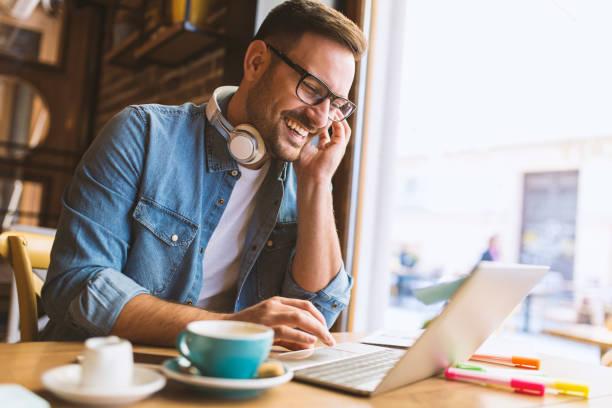 freelance - trabajo freelance fotografías e imágenes de stock