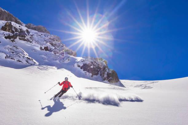 Freerider Ski laufen bergab - Ochsenkar am Mount Hochkönig in Alpen – Foto