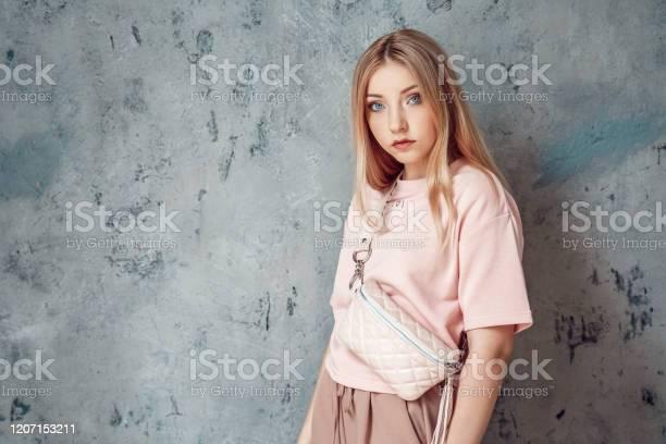Teenager girls geile Mom pimps