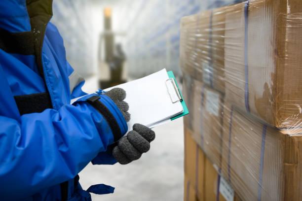 냉동 실 또는 창 고 - 추운 온도 뉴스 사진 이미지