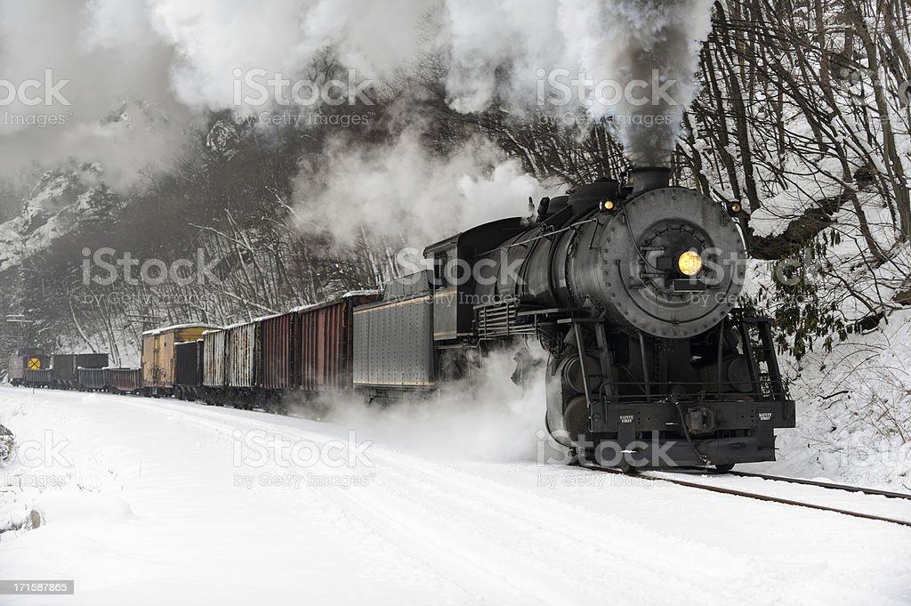 Fotografía de Tren De Carga Con Locomotora De Vapor Frío De Humo En ...