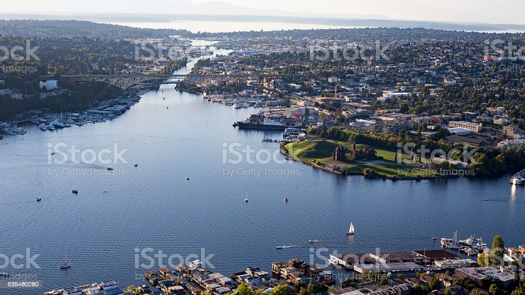Fremont Cut, Lake Union Ballard Locks, Salmon Bay, Olympic Mountains stock photo