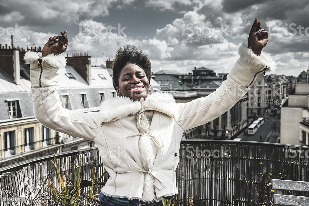french afro woman have fun on the rooftop foto de stock royalty-free