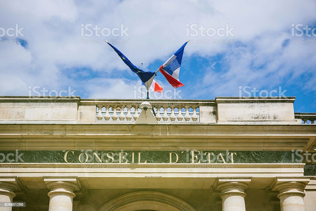 French and Eu Flag over Conseil d'Etat - Paris – Foto