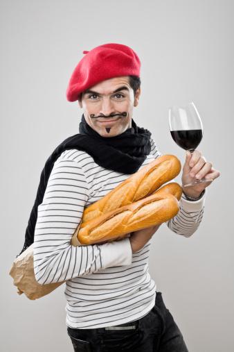 Baguettes Y Vino Francés Foto de stock y más banco de imágenes de 30-39 años