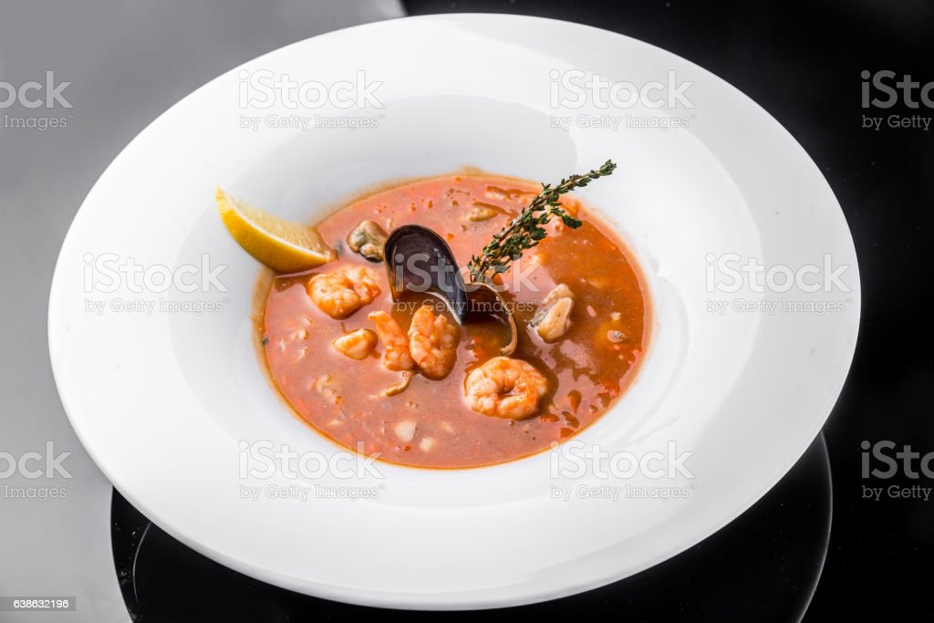 French Bouillabaisse fish soup with seafood – Foto