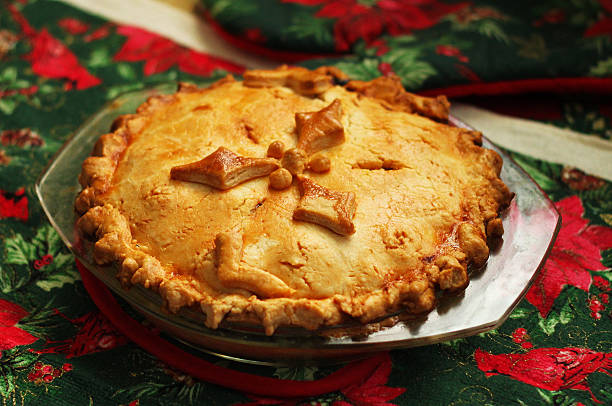 french canadian christmas pie - torta salgada - fotografias e filmes do acervo