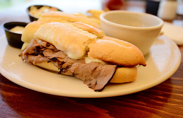 french-dip-sandwich - roast beef sandwich stock-fotos und bilder