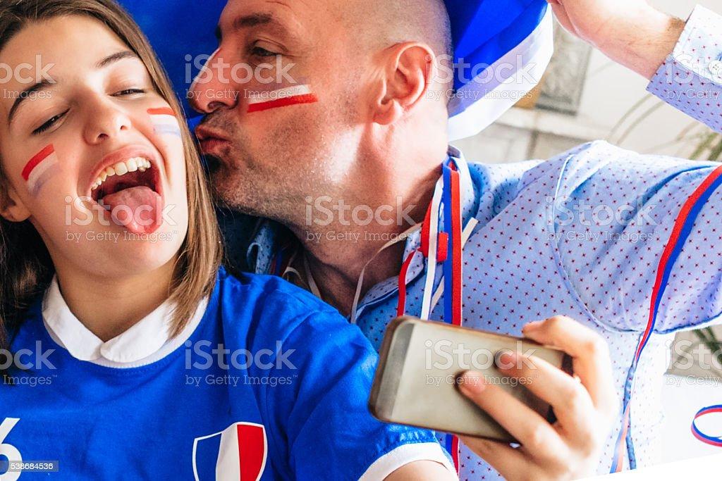 Franzosische Madchen Mit Vater Ein Selfie Aufnehmen In