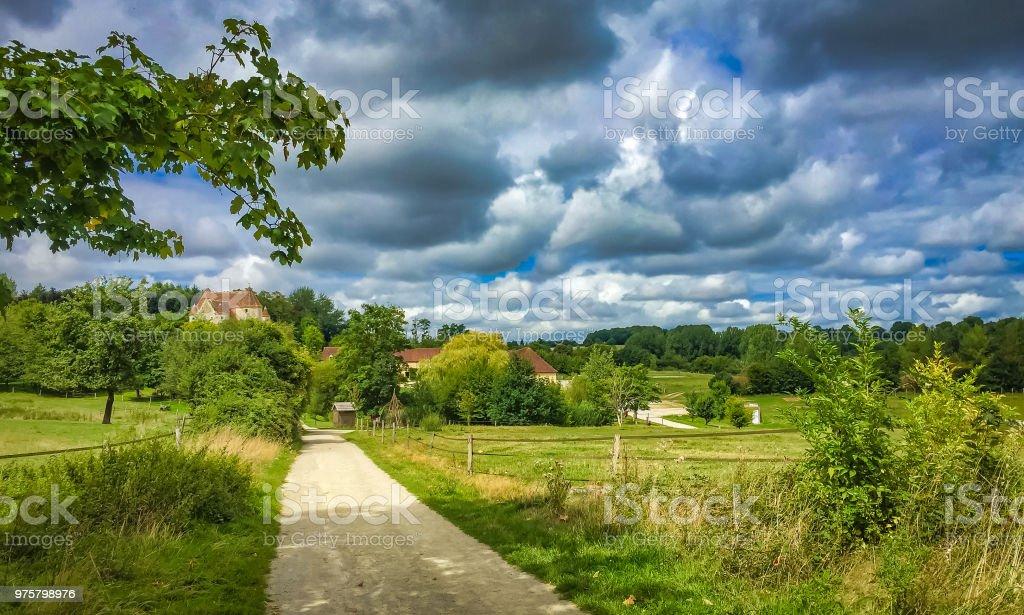 Französische Landschaft im Sommer - Lizenzfrei Anhöhe Stock-Foto