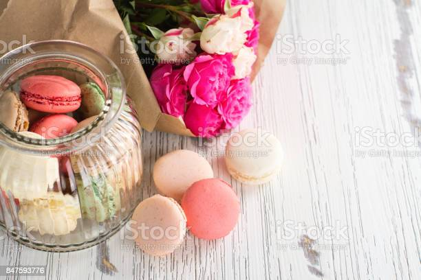 French macarons cookies and flowers picture id847593776?b=1&k=6&m=847593776&s=612x612&h=2tvqphsg  cjc3nihap6dudnsllzrp5mll51do9hxyy=