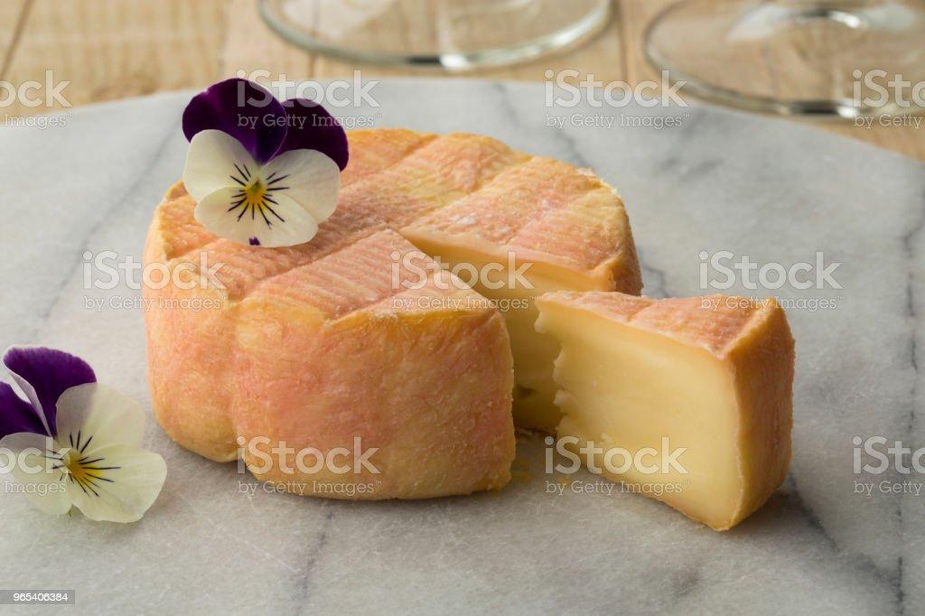 cheeseboard에 프랑스 마크 드 무스카트 치즈 - 로열티 프리 0명 스톡 사진