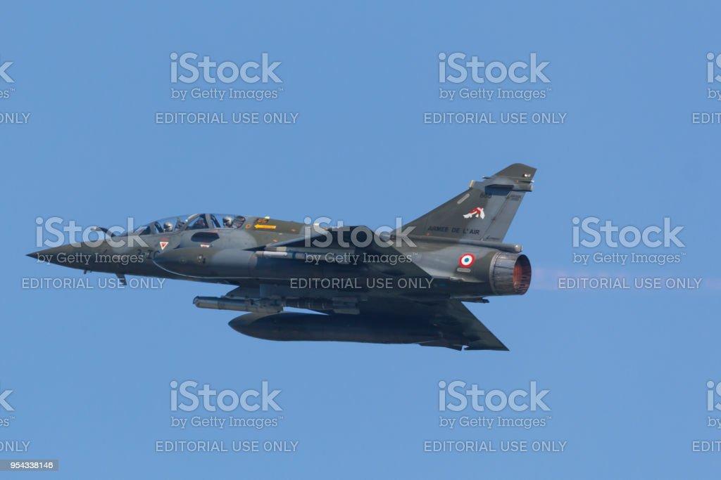 Een Franse Mirage 2000 opstijgen met na brander tijdens de oefening Frisian Flag foto