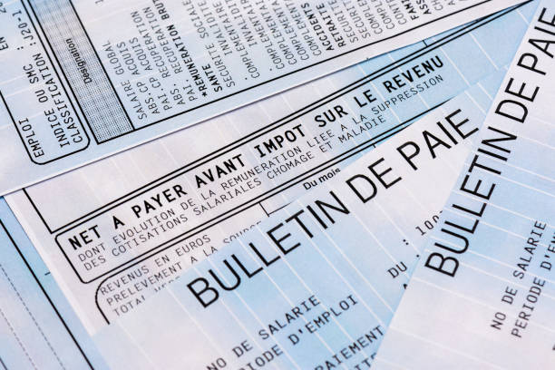french payroll with income tax deduction - stipendio foto e immagini stock