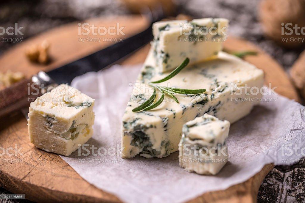 Queso Roquefort francesa - Foto de stock de Aperitivo - Plato de comida libre de derechos