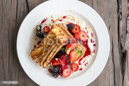 French toast with berries and strawberries