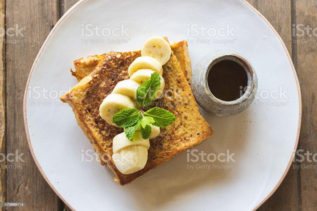 French Toast mit frischen Bananen – Foto