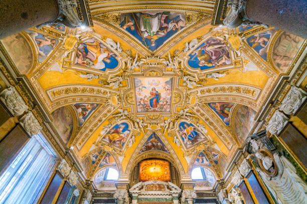 fresko in der decke des taufers der basilika santa maria maggiore in rom, italien. - römisch 6 stock-fotos und bilder