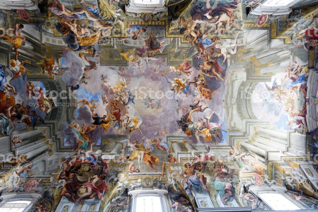 Frescos in church in Rome, Italy - foto stock
