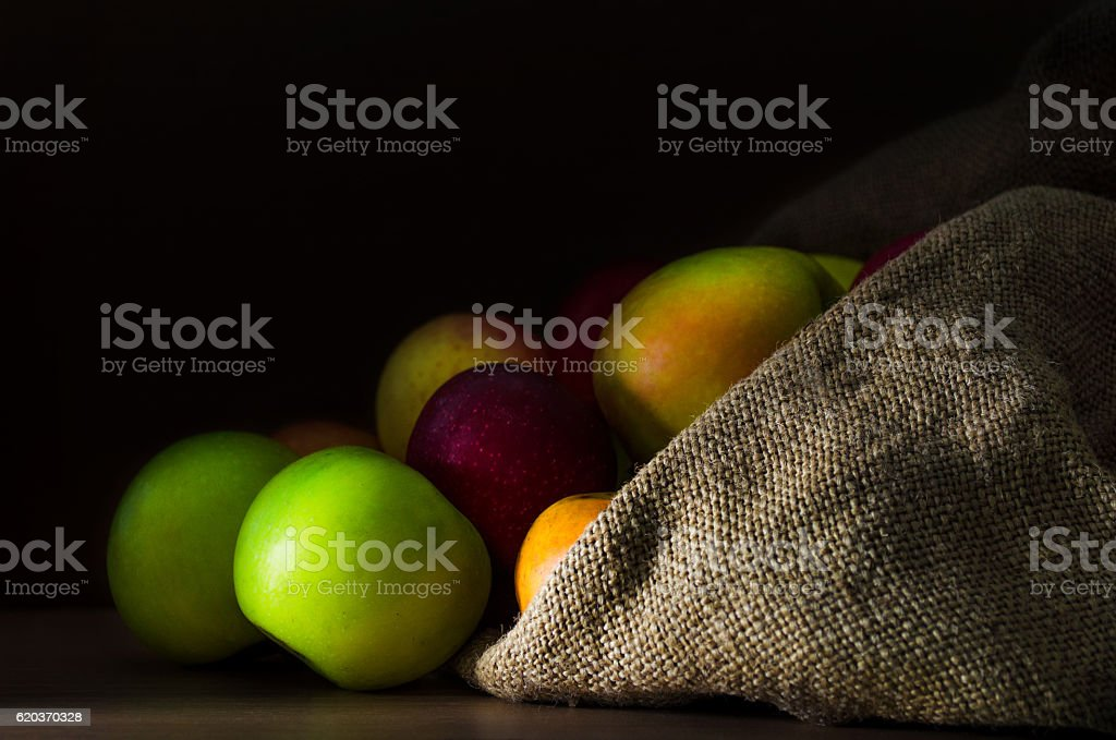 Fresh apples in the sack foto de stock royalty-free