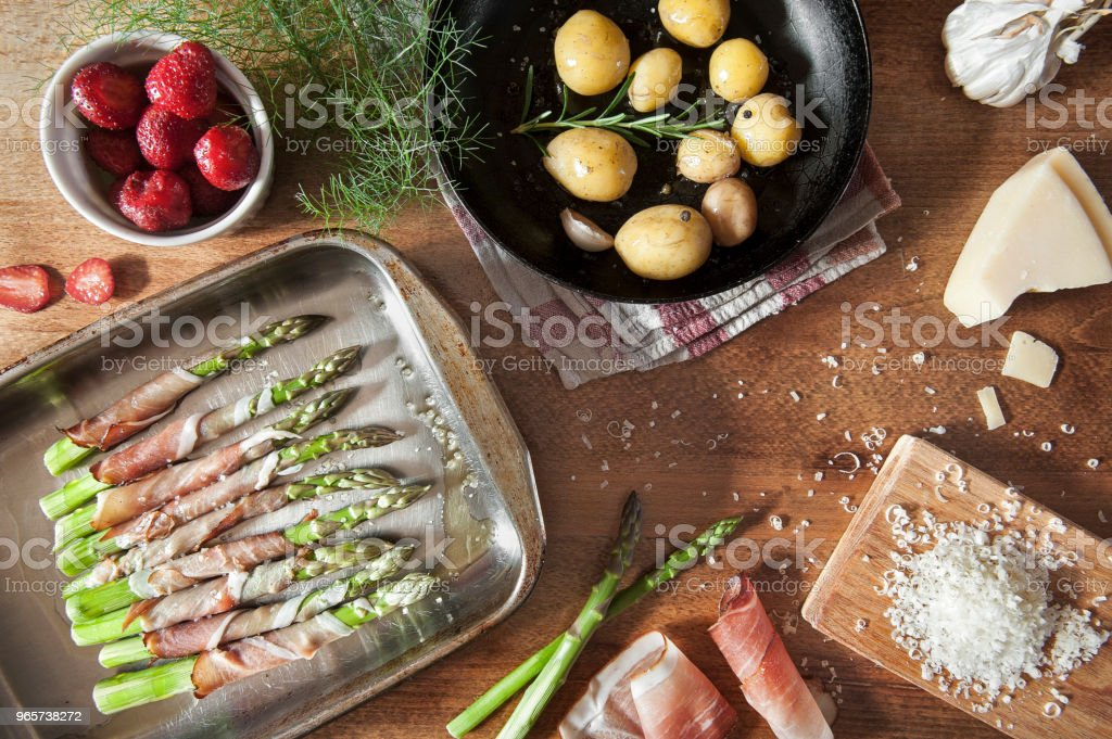 fresh asparagus on the kitchen table - Royalty-free Appetizer Stock Photo
