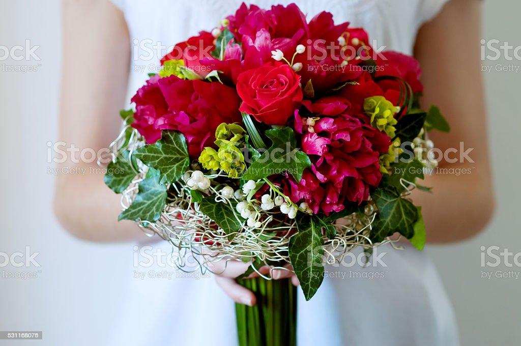 Bouquet Sposa Rosso.Freschi Bouquet Da Sposa Rosso Estate Fiori Fotografie Stock E
