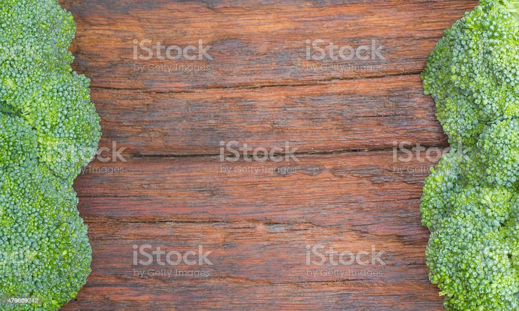 Frischer Brokkoli auf dem Holz Bord – Foto