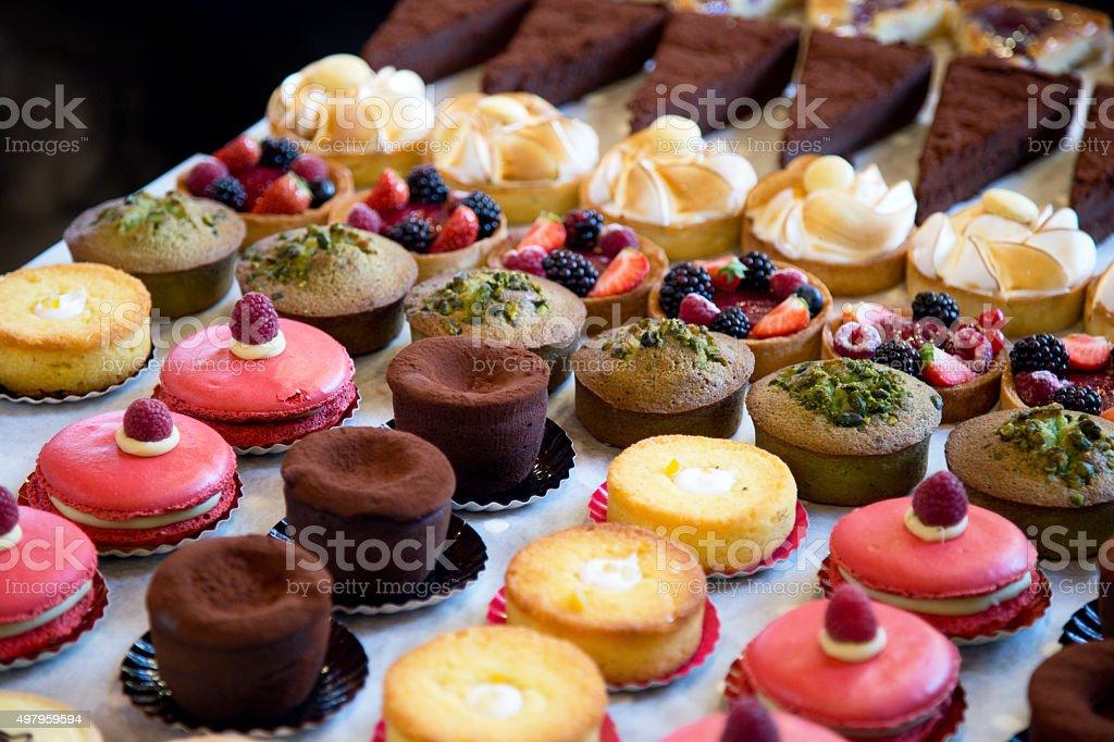 신선한 케이크 - 로열티 프리 0명 스톡 사진