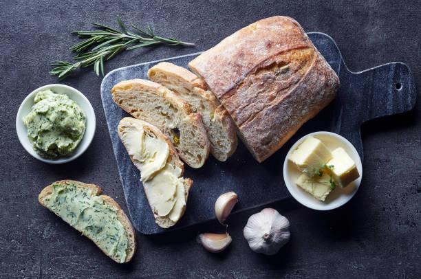 신선한 시아바타 빵 - 치아바타 빵 뉴스 사진 이미지